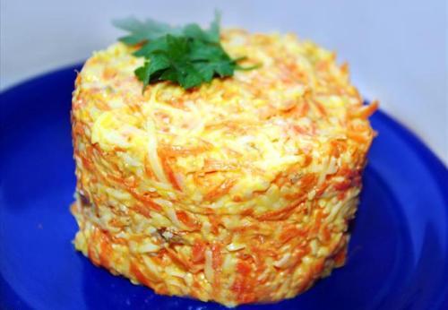 Салат сыр с морковью