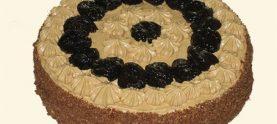 Торт бисквитный с черносливом