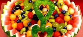 Корзина для фруктов из арбуза